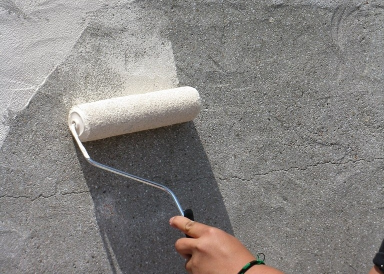 Штукатурка бетонных стен методом «набрызга» своими руками 63